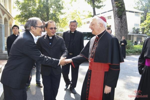 ĐHY Fernando Filoni thăm ĐHY GB. Phạm Minh Mẫn và Đại Chủng viện Sài Gòn